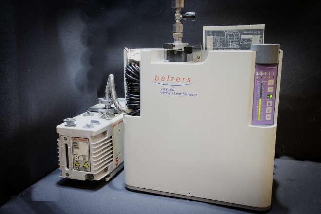 helium leak detector2